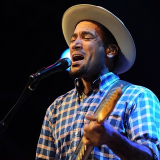 Ben Harper in Ben Harper Performing at 10 Giorni Suonati Festival