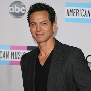 Benjamin Bratt in 2011 American Music Awards - Arrivals