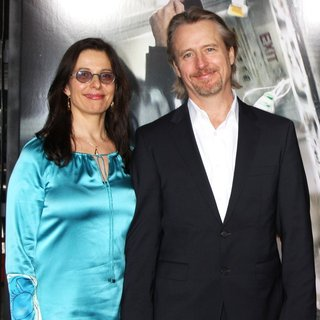 Rosalind Bennett, Linus Roache in Premiere of Universal Pictures and Studiocanal's Non-Stop