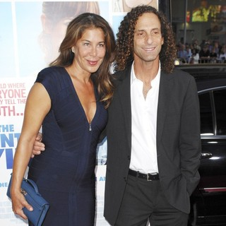 Lyndie Benson, Kenny G in Premiere of The Invention of Lying