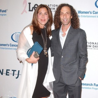 Lyndie Benson, Kenny G in An Unforgettable Evening Benefiting EIF's Women's Cancer Research Fund - Arrivals