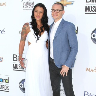 Talinda Bentley, Chester Bennington in 2012 Billboard Music Awards - Arrivals