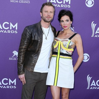 Dierks Bentley in 2012 ACM Awards - Arrivals - bentley-black-2012-acm-awards-01