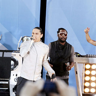 Taboo, will.i.am in Good Morning America Presents The Black Eyed Peas