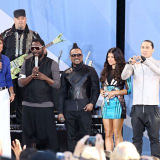 Black Eyed Peas, Robin Roberts (II) in Good Morning America Presents The Black Eyed Peas