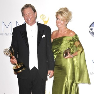 Tom Berenger, Patricia Alvaran in 64th Annual Primetime Emmy Awards - Press Room