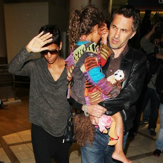 Halle Berry Arrives at LAX Airport with Olivier Martinez and Nahla Aubry - berry-aubry-martinez-arrives-at-lax-airport-02
