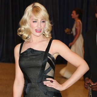 Beth Behrs in 2013 White House Correspondents' Association Dinner - Arrivals - beth-behrs-2013-white-house-correspondents-association-dinner-02