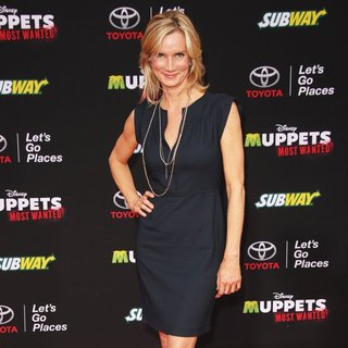 Los Angeles Premiere of Disney's Muppets Most Wanted - Red Carpet Arrivals - beth-littleford-premiere-muppets-most-wanted-01