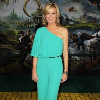 Beth Littleford in Oz: The Great and Powerful - Los Angeles Premiere - Arrivals