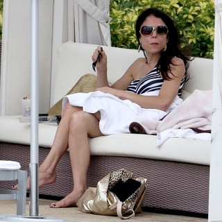Bethenny Frankel in Bethenny Frankel and Bryn Hoppy Enjoy A Weekend Holiday