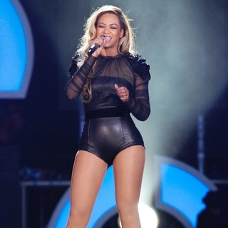 Beyonce Knowles in Chime for Change Concert