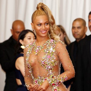 Beyonce Knowles - China: Through The Looking Glass Costume Institute Benefit Gala - Red Carpet Arrivals