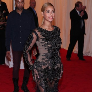 Beyonce Knowles in Schiaparelli and Prada Impossible Conversations Costume Institute Gala