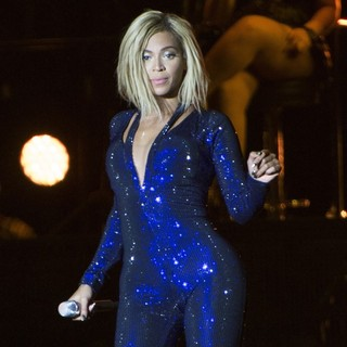 Beyonce Knowles in V Festival 2013 - Day One