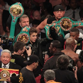 Triple H, Justin Bieber, Floyd Mayweather, Jr. in The Fight Floyd Mayweather, Jr. Defeated Miguel Cotto by Way of A Twelve Round Unanimous Decision