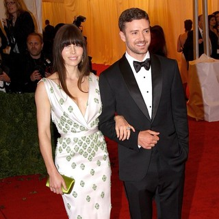 Jessica Biel, Justin Timberlake in Schiaparelli and Prada Impossible Conversations Costume Institute Gala
