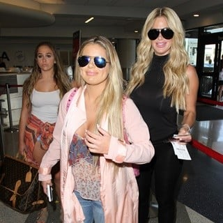 Brielle Biermann, Ariana Biermann, Kim Zolciak-Kim Zolciak Arrives with Her Daughters at Los Angeles International Airport