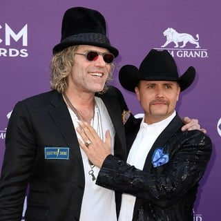 Big & Rich in 48th Annual ACM Awards - Arrivals - big-rich-48th-annual-acm-awards-05