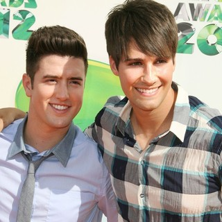 Logan Henderson, James Maslow, Big Time Rush in 2012 Kids' Choice Awards - Arrivals