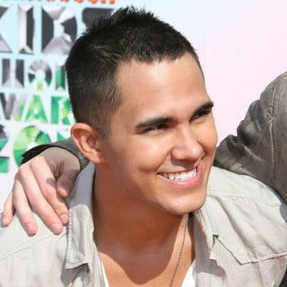 Carlos Pena Jr., Big Time Rush in 2012 Kids' Choice Awards - Arrivals
