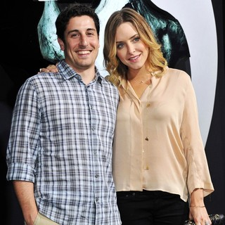 Jason Biggs, Jenny Mollen in The LA Premiere of Final Destination 5