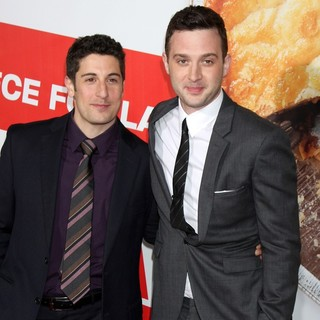 Jason Biggs, Eddie Kaye Thomas in American Reunion Los Angeles Premiere - Arrivals
