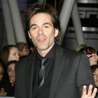 Billy Burke in The Premiere of The Twilight Saga's Breaking Dawn Part II