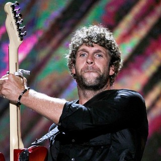 Billy Currington in 2010 CMA Music Festival Nightly Concerts - Day 3 - billy-currington-2010-cma-music-festival-nightly-concerts-day-3-01