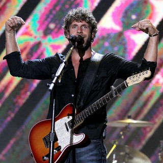 Billy Currington in 2010 CMA Music Festival Nightly Concerts - Day 3 - billy-currington-2010-cma-music-festival-nightly-concerts-day-3-10