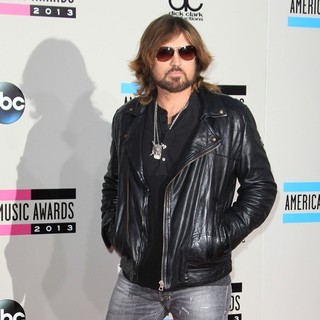 Billy Ray Cyrus in 2013 American Music Awards - Arrivals