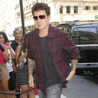 Billy Ray Cyrus in Billy Ray Cyrus Arrives at A New York Hotel