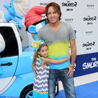 Dannielynn Birkhead, Larry Birkhead in The Los Angeles Premiere of The Smurfs 2 - Arrivals