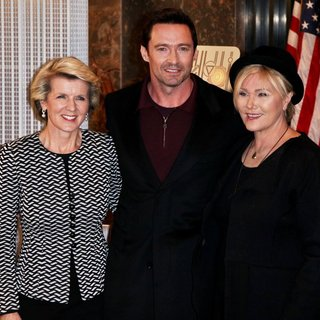 Hugh Jackman - Hugh Jackman Lights The Empire State Building Green and Gold to Honor Australia Day