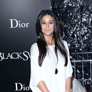 Emmanuelle Chriqui in New York Premiere of 'Black Swan' - Arrivals