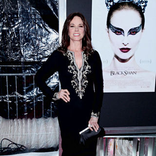 Barbara Hershey in New York Premiere of 'Black Swan' - Arrivals