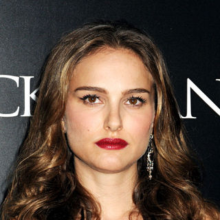 Natalie Portman in New York Premiere of 'Black Swan' - Arrivals