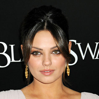 Mila Kunis in New York Premiere of 'Black Swan' - Arrivals
