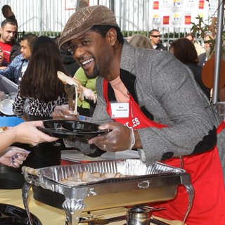 Blair Underwood in 75th Anniversary of The Los Angeles Mission Serving Thanksgiving Dinner to The Homeless