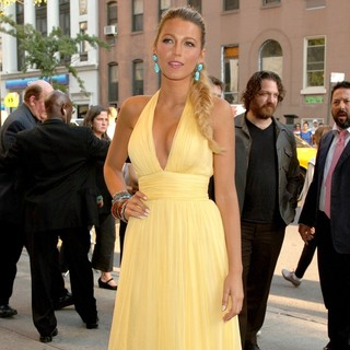Blake Lively in New York Premiere of Savages - Outside Arrivals