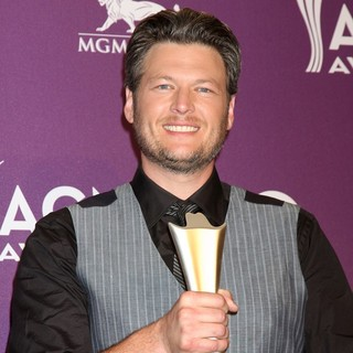 Blake Shelton in 2012 ACM Awards - Press Room - blake-shelton-2012-acm-awards-press-room-01