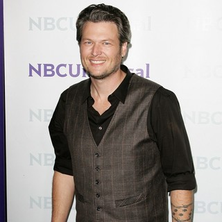 Blake Shelton in NBC Universal's Winter Tour Party - Arrivals - blake-shelton-nbc-universal-s-2012-winter-tour-party-02
