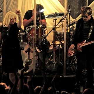 Debbie Harry, Blondie in Blondie Performing Live