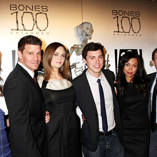"David Boreanaz, Emily Deschanel, Michaela Conlin, T.J. Thyne, Tamara Taylor, John Francis Daley in The ""Bones"" 100th Show Party"