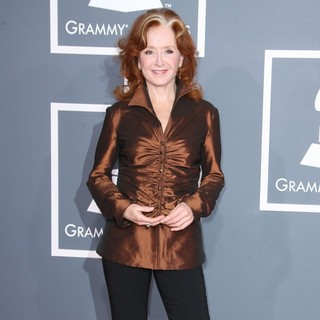 Bonnie Raitt in 54th Annual GRAMMY Awards - Arrivals