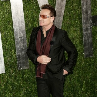 Bono in 2013 Vanity Fair Oscar Party - Arrivals - bono-2013-vanity-fair-oscar-party-02