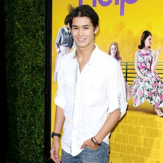 BooBoo Stewart in World Premiere of The Help