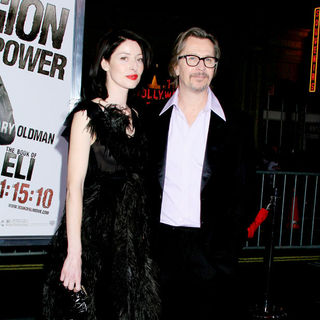 Gary Oldman, Alexandra Edenborough in Los Angeles Premiere of 'The Book Of Eli' - Arrivals
