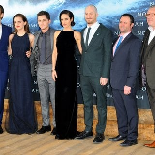 Douglas Booth, Emma Watson, Logan Lerman, Jennifer Connelly, Darren Aronofsky, Scott Franklin, Ray Winstone in German Premiere of Noah