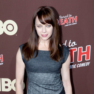 "Melinda Clarke in Premiere of ""Bored to Death"" Season 2 - Arrivals"